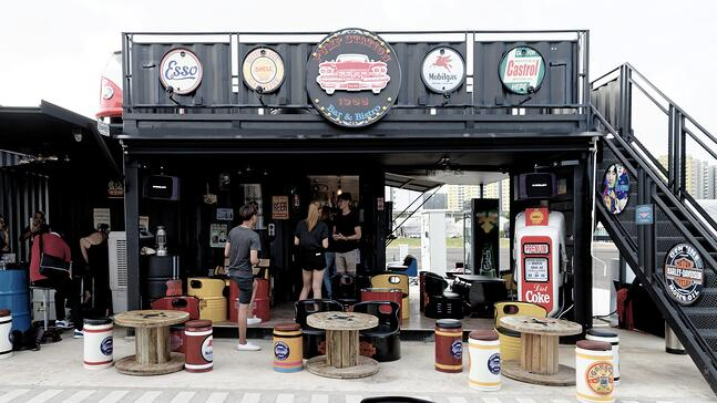 Punggol_Containers_1965_Bar.jpg