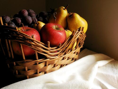 fruit-basket-1320479.jpg