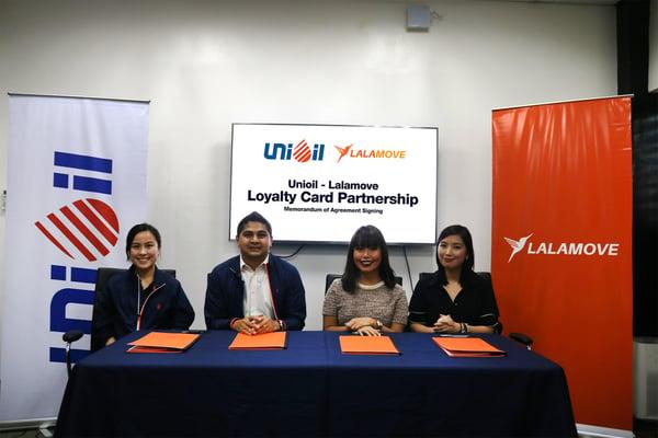 From L–R_ Francine Narciso, Loyalty Officer of Unioil_ Ed Pasion, Retail Vice President of Unioil_ Dannah Majarocon, Managing Director of Lalamove_ Akiko Sumulong, Strategic Partnerships Manager of L