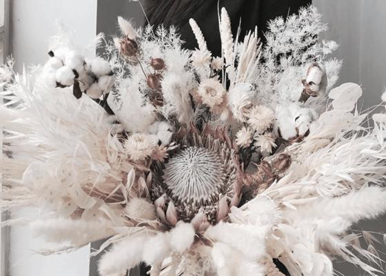 Pengiriman Bunga Lalamove - Reverose