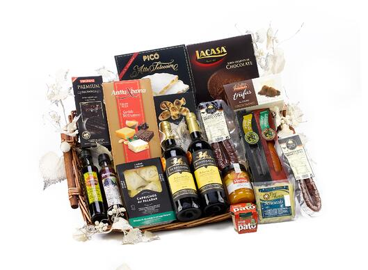 christmas-hamper-2422314_1920.jpg