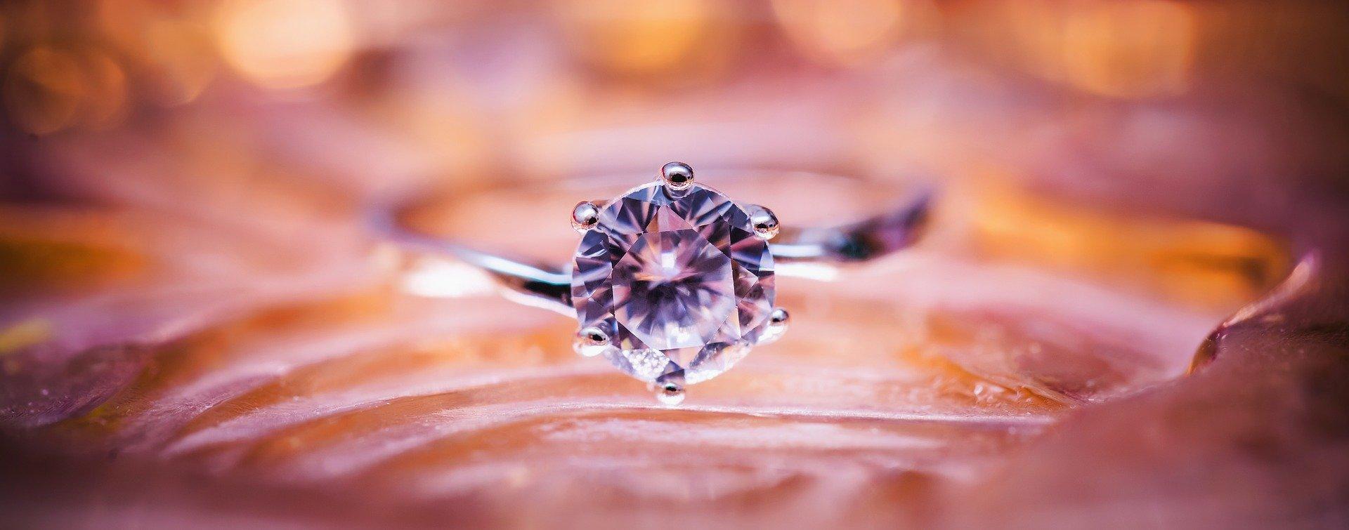 diamond-1839031_1920