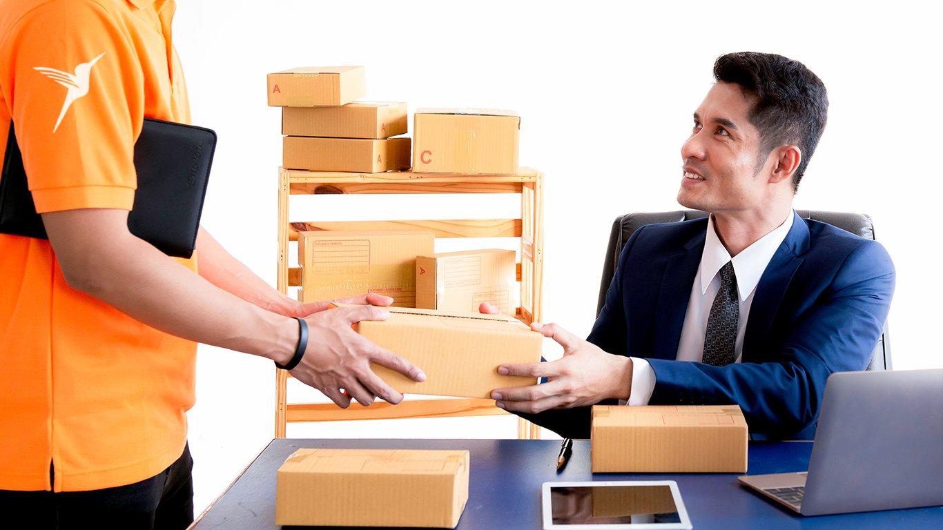 outsource last-mile deliveries_1366×768_03